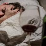 Какалкоголь влияет на сон?