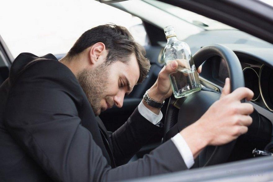 Увеличение числа смертей, связанных с алкоголем: женщины наиболее подвержены риску.