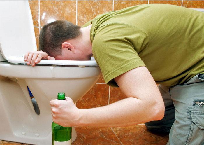 Алкогольное отравление: признаки, причины, лечение и как его предотвратить